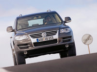 Volkswagen-Touareg_2007_1600x1200_wallpaper_10.jpg