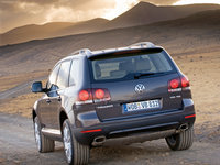 Volkswagen-Touareg_2007_1600x1200_wallpaper_16.jpg
