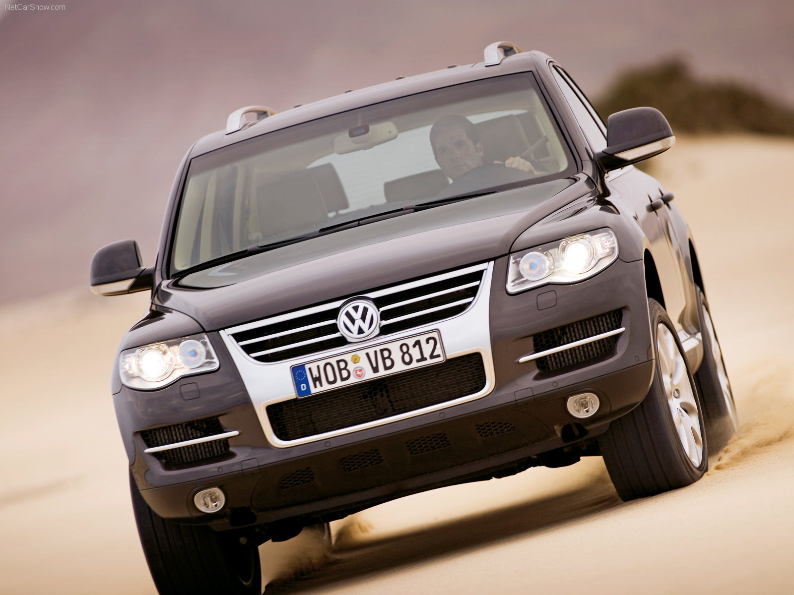 http://w04.ru/foto/Volkswagen-Touareg_2007_1600x1200_wallpaper_0b.jpg