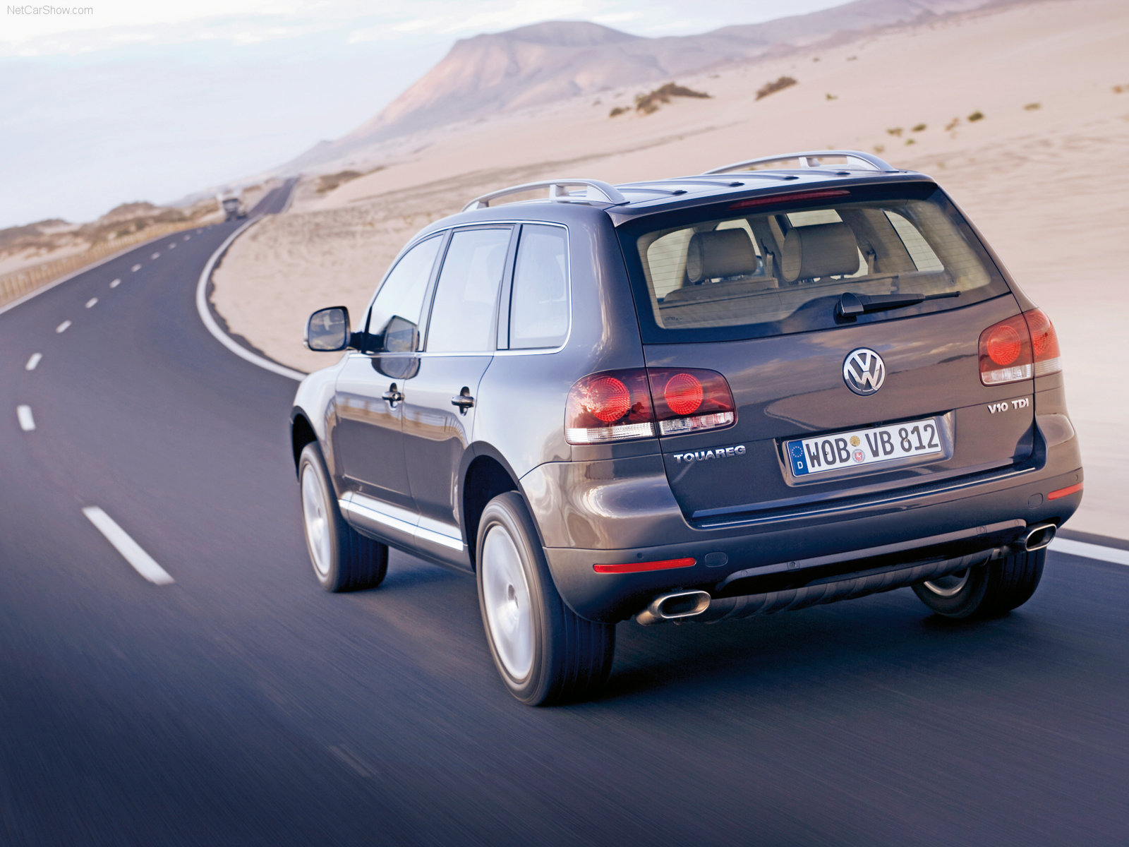 http://w04.ru/foto/Volkswagen-Touareg_2007_1600x1200_wallpaper_13.jpg