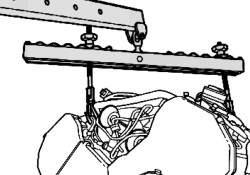 Подъем двигателя с помощью крана