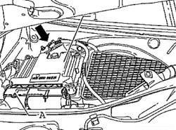 Отсоединение штекера от блока управления двигателя и отключение провода массы жгута проводки
