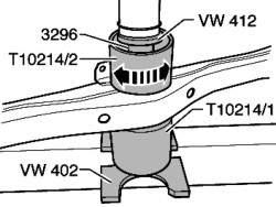Запрессовка новой резинометаллической опоры на кронштейн